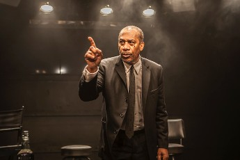 Joe Morton as Dick Gregory